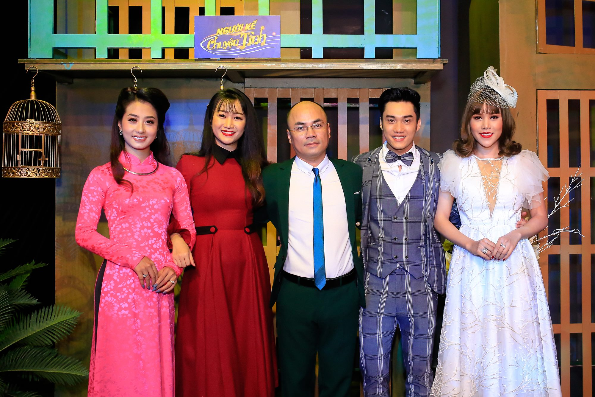 Biên tập Minh Duc chup hinh cung TS NKCT