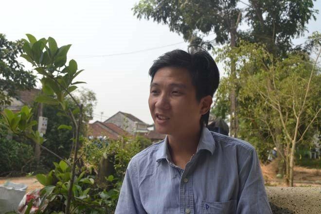 Trần Hữu Như Anh trong đợt giải cứu dưa hấu năm 2015.
